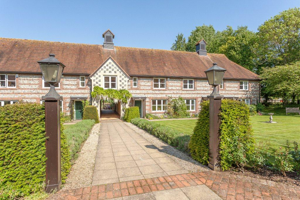 3 Bedrooms Retirement Property for sale in Earls Manor Court, Winterbourne Earls, Salisbury, Wiltshire, SP4