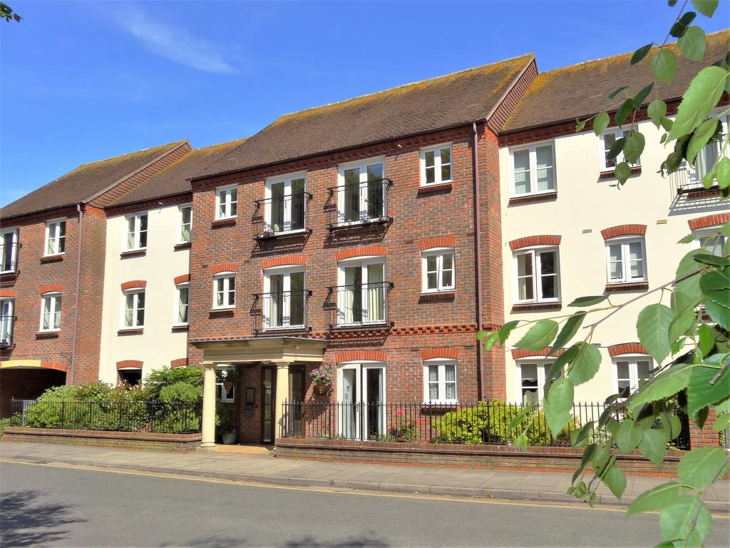 1 Bedroom Retirement Property for sale in Pegasus Court, Deanery Close, West Sussex PO19