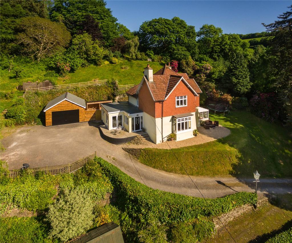 4 Bedrooms Detached House for sale in Goodleigh Road, Snapper, Barnstaple, Devon, EX32
