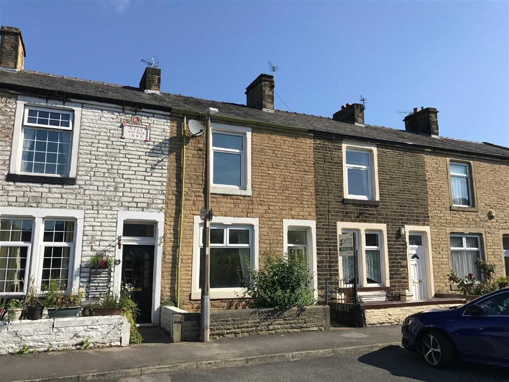 2 Bedrooms Terraced House for sale in Caldervale, Barrowford, Lancashire