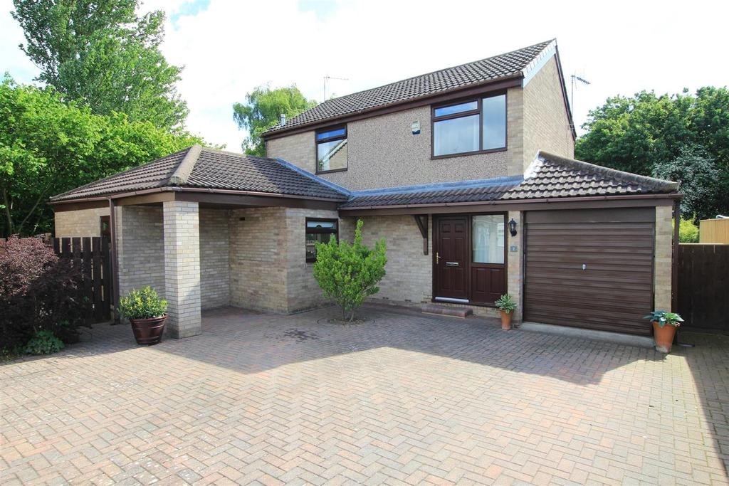 3 Bedrooms Detached House for sale in Elwick Avenue, Newton Aycliffe