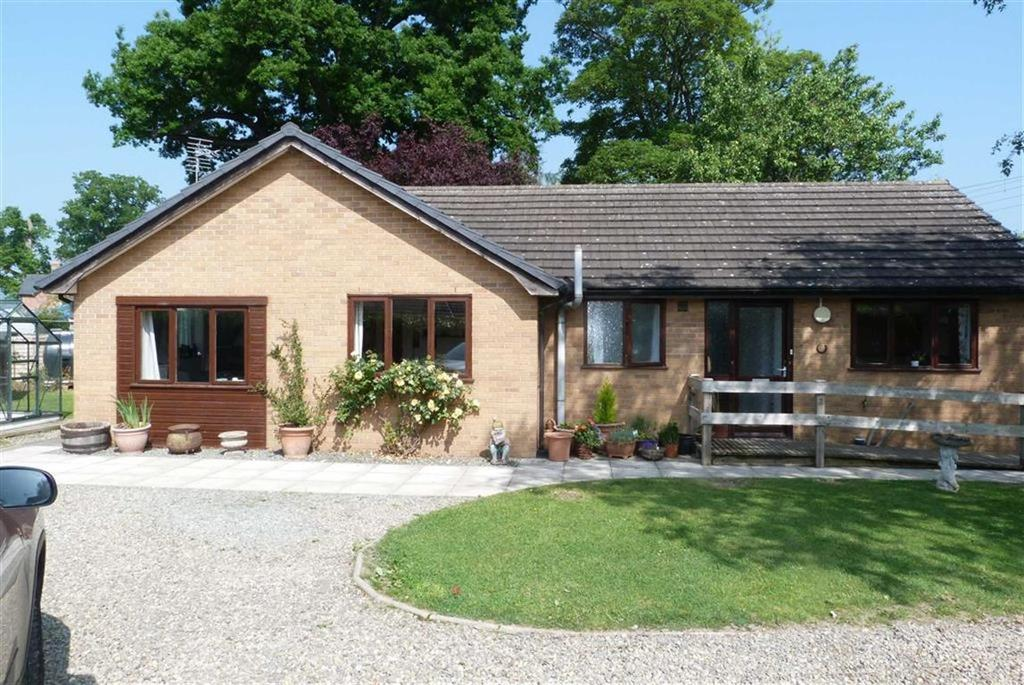 3 Bedrooms Bungalow for sale in City Gardens, Four Crosses, Four Crosses Llanymynech, SY22