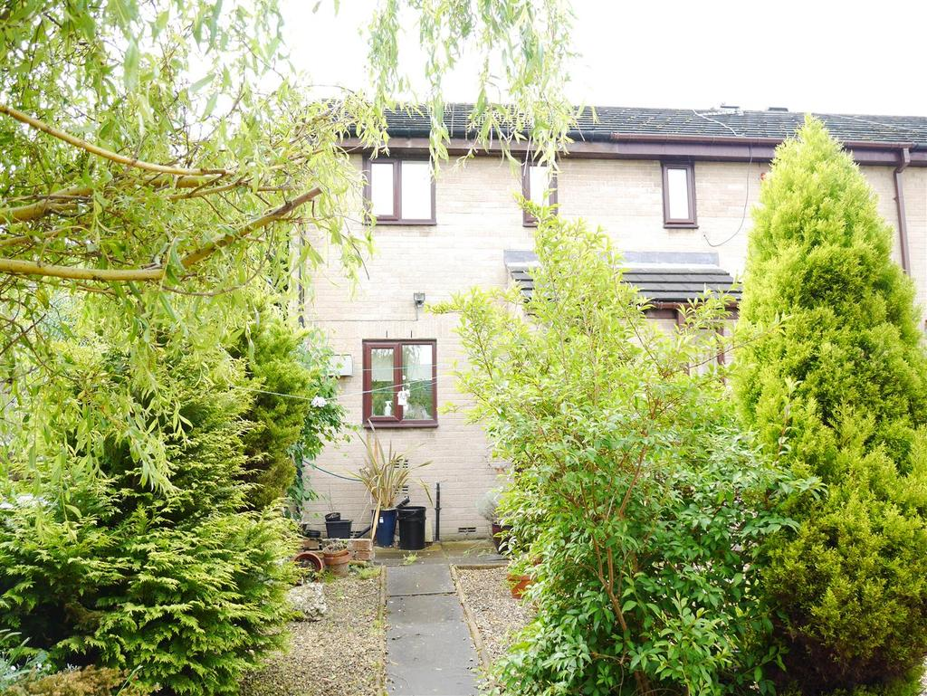 2 Bedrooms Terraced House for sale in Buckfast Court, Idle, Bradford