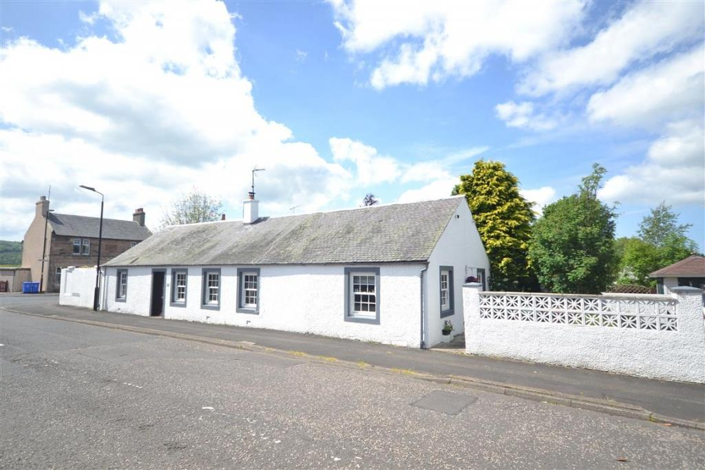 2 Bedrooms Detached Bungalow for sale in 1 Newton Street, Crosshill, KA19 7RF