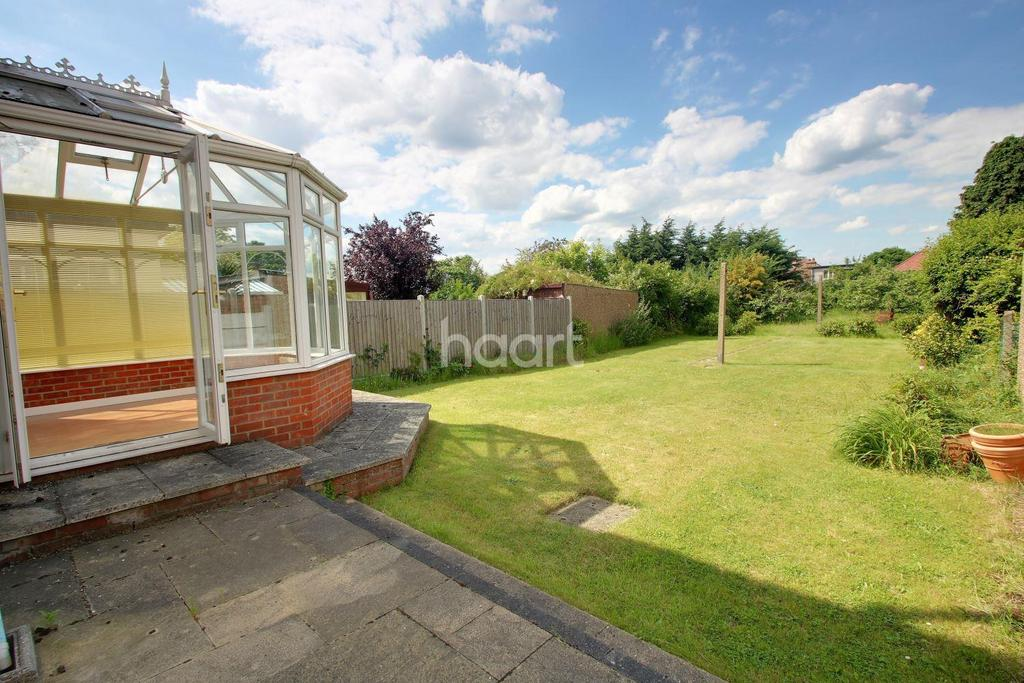 3 Bedrooms Detached House for sale in Stanley Road, Hornchurch