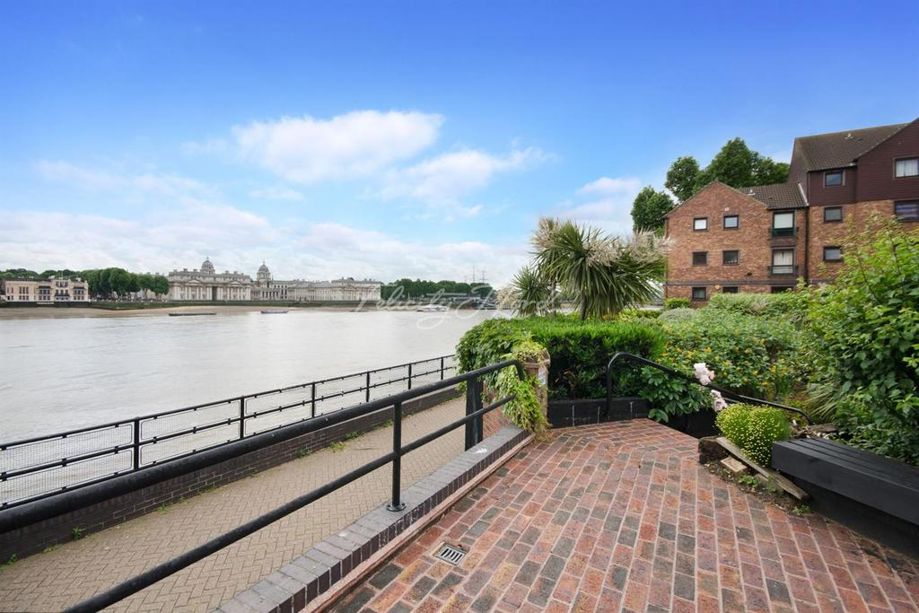 Studio Flat for sale in Luralder Wharf, E14