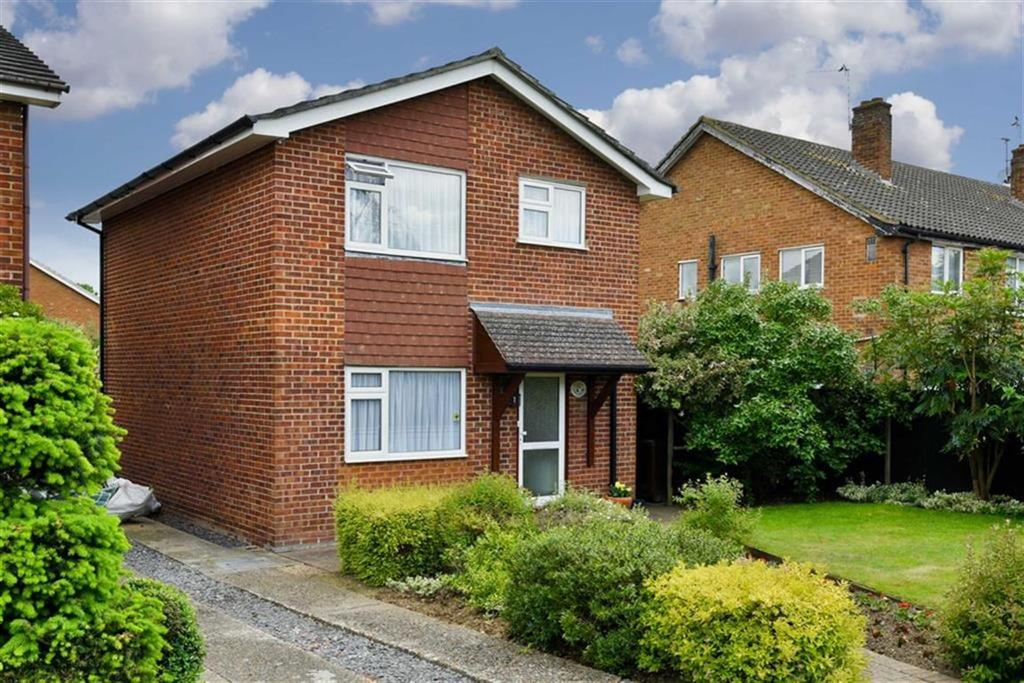 3 Bedrooms Detached House for sale in Amis Avenue, West Ewell, Surrey