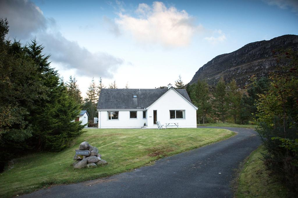 4 Bedrooms Detached House for sale in Kirkside, Shieldaig, Strathcarron, IV54