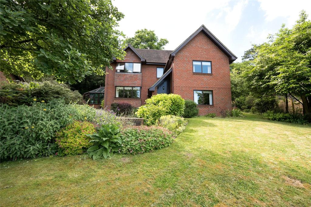 4 Bedrooms Detached House for sale in Winchester, Hampshire, SO22
