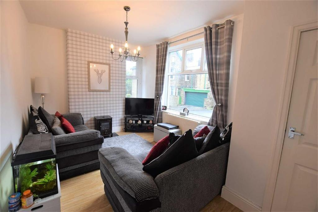 3 Bedrooms Terraced House for sale in Lincoln Road, Earby, Lancashire