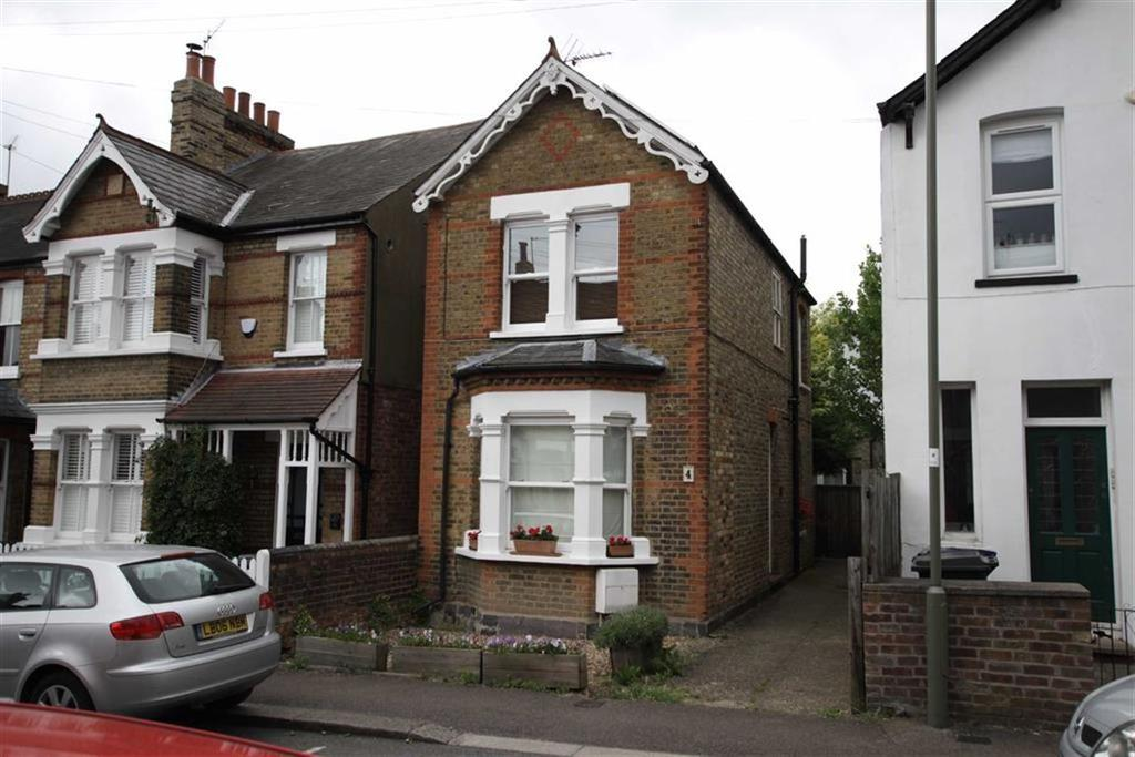 3 Bedrooms Detached House for sale in Puller Road, High Barnet, Herts, EN5