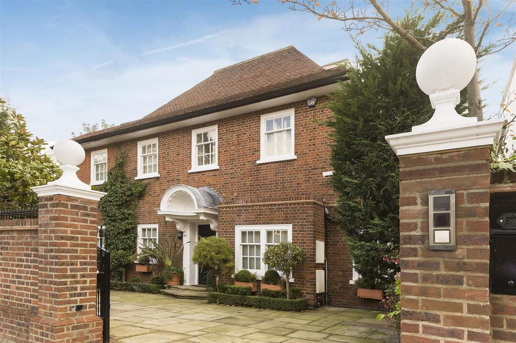 3 Bedrooms Detached House for sale in Queens Grove, London