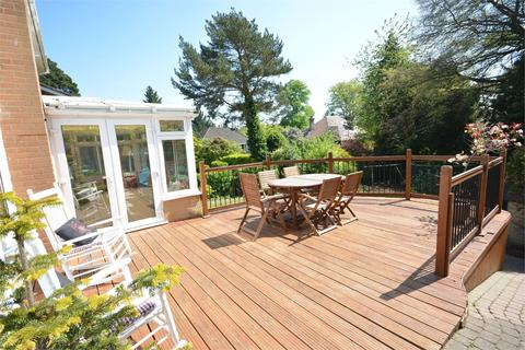 4 bedroom detached house for sale - Leven Close, Talbot Woods, Bournemouth