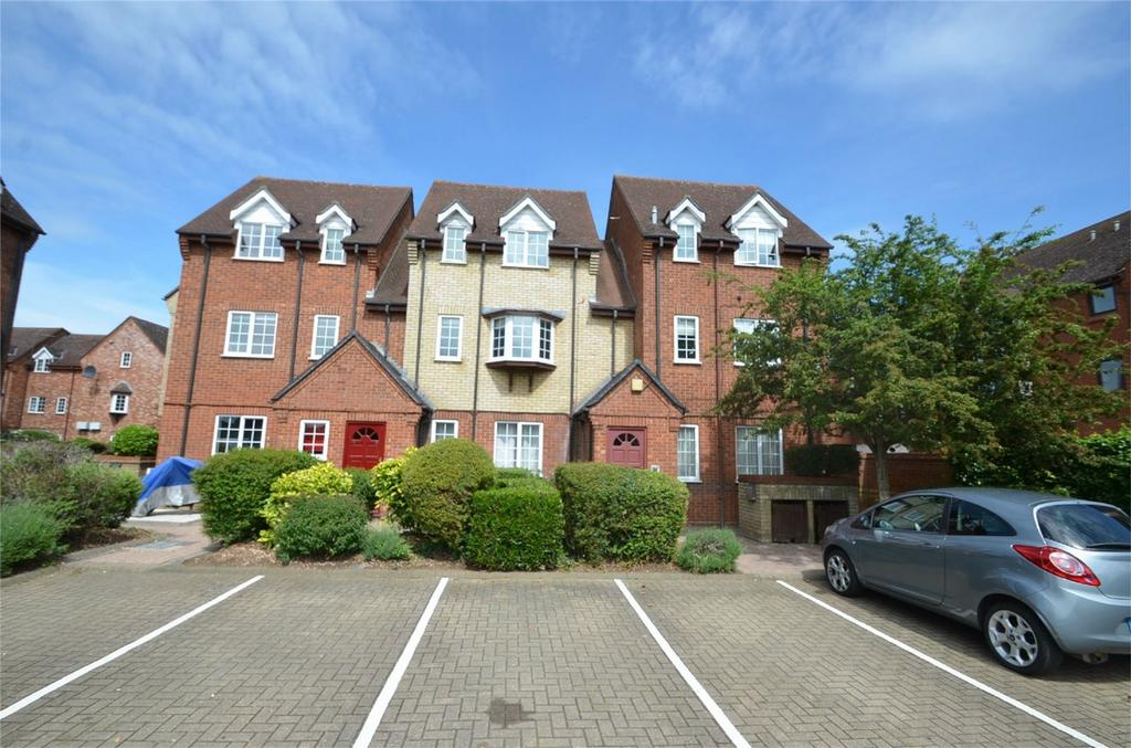 2 Bedrooms Flat for sale in St Francis Court, SHEFFORD, Beds