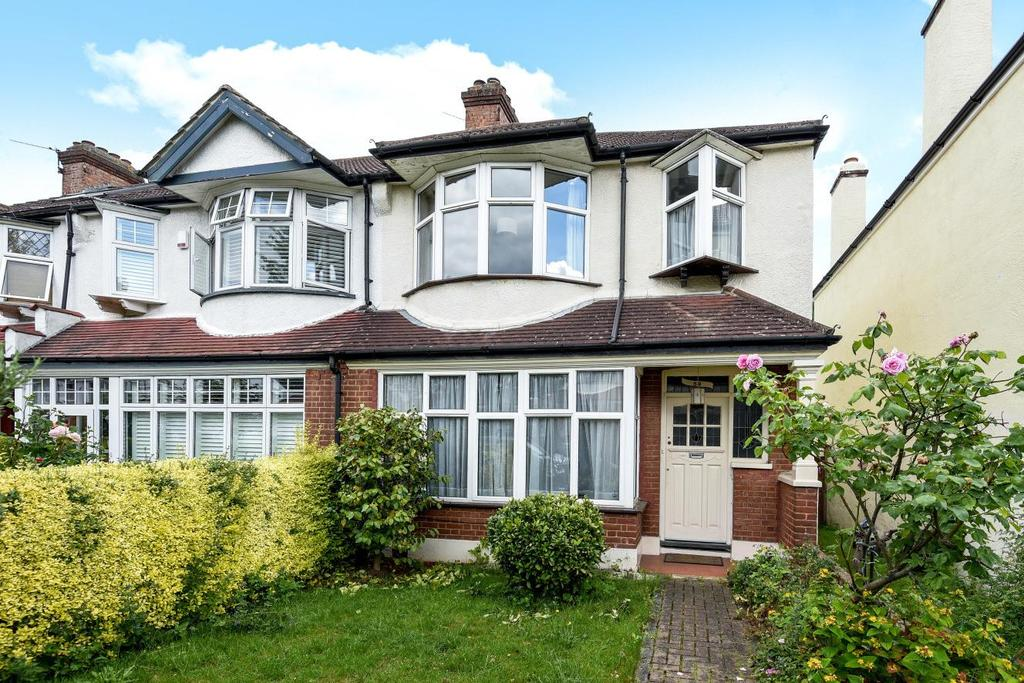 3 Bedrooms Terraced House for sale in Altyre Way, Beckenham, BR3