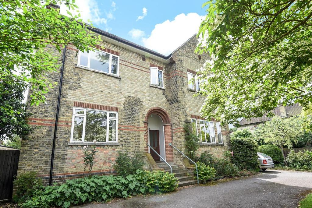 3 Bedrooms Flat for sale in Hayne Road, Beckenham, BR3