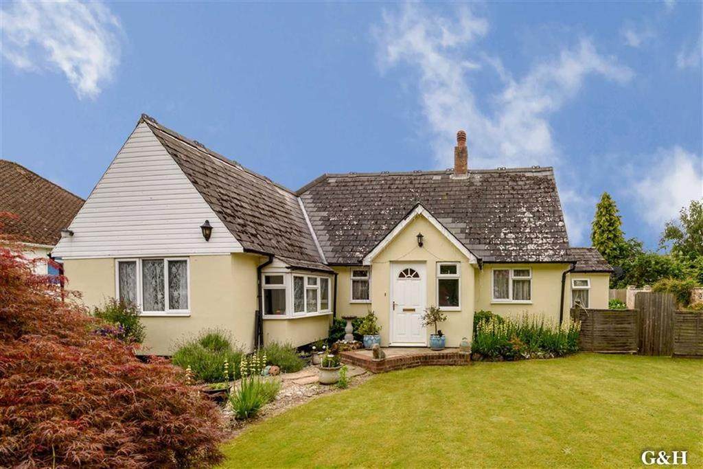 4 Bedrooms Detached Bungalow for sale in Sandyhurst Lane, Ashford, Kent
