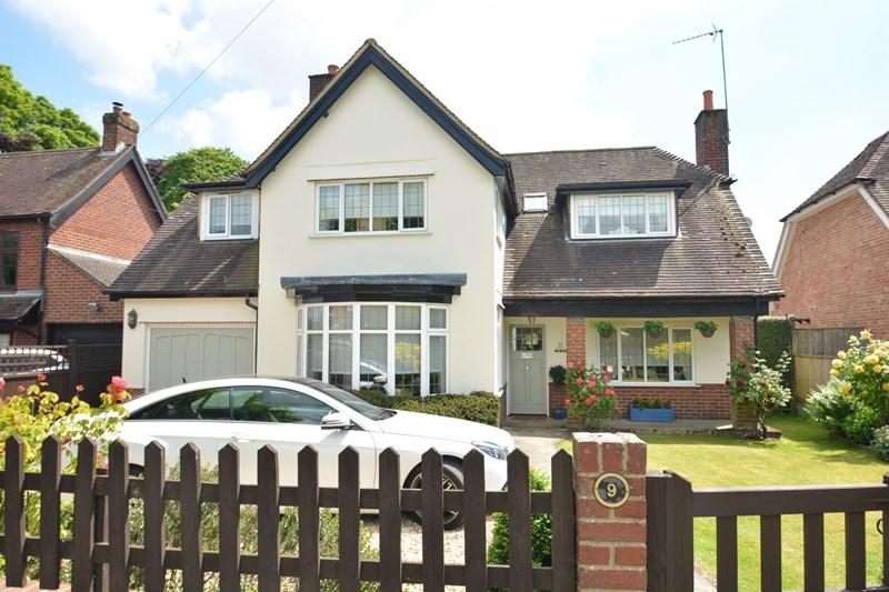 4 Bedrooms Detached House for sale in The Avenue, Andover