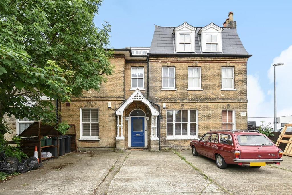 3 Bedrooms Flat for sale in Croydon Road, Anerley, SE20