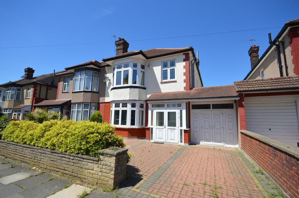 3 Bedrooms Semi Detached House for sale in Daneby Road Catford SE6