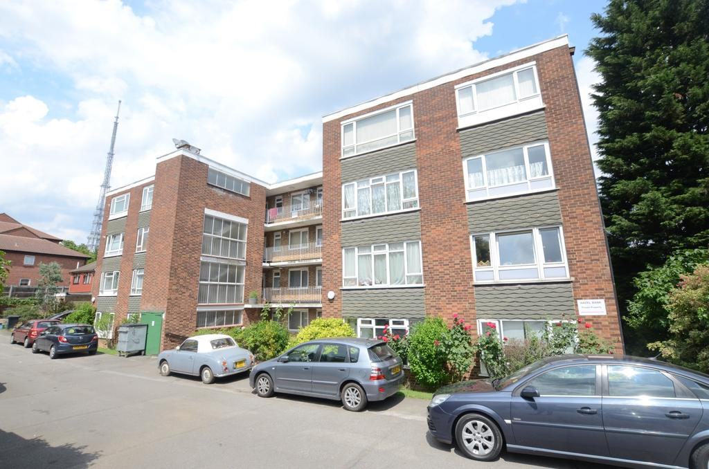 2 Bedrooms Flat for sale in South Norwood Hill South Norwood SE25