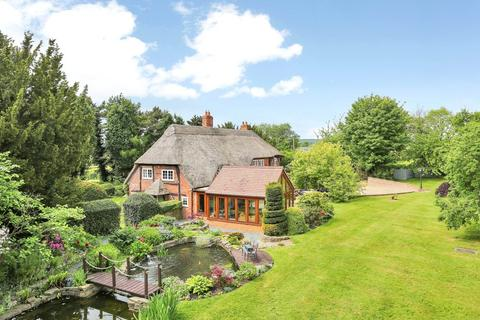 5 bedroom detached house for sale - Longdon Green, Staffordshire