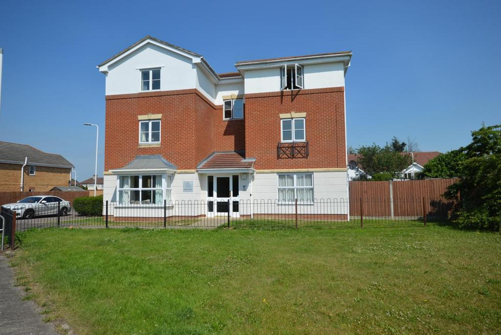 2 Bedrooms Apartment Flat for sale in Bancroft Chase, Hornchurch, Essex, RM12