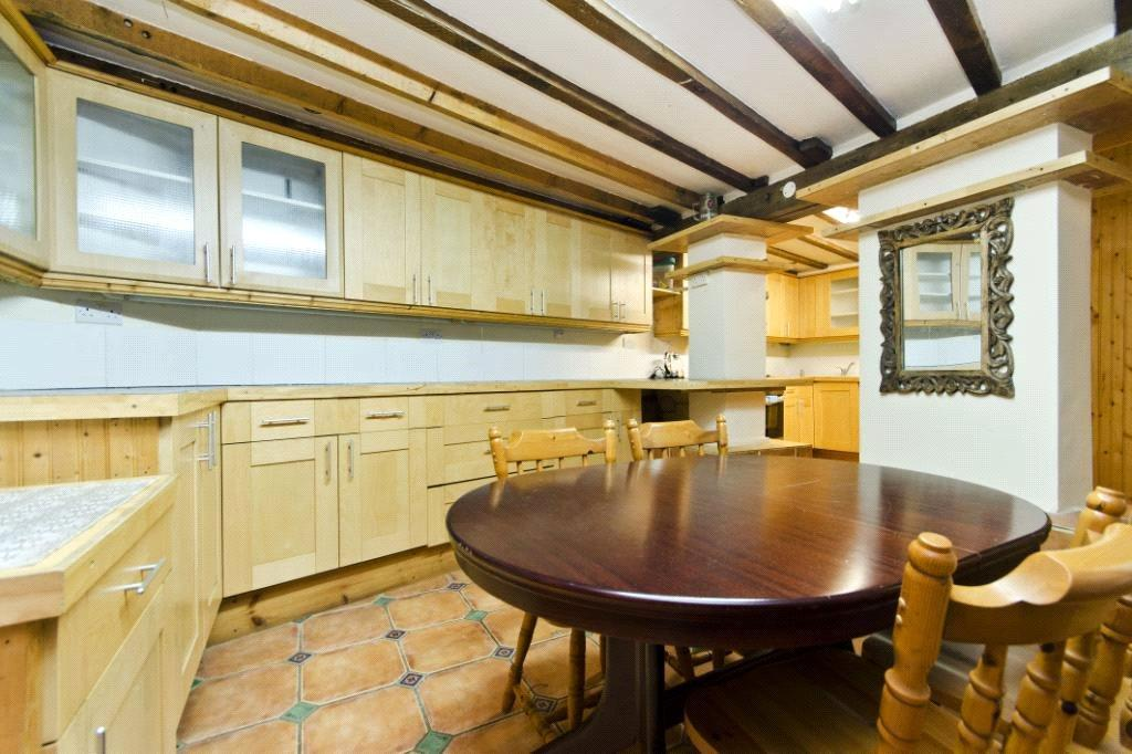 3 Bedrooms Flat for sale in St. Georges Road, London, E7
