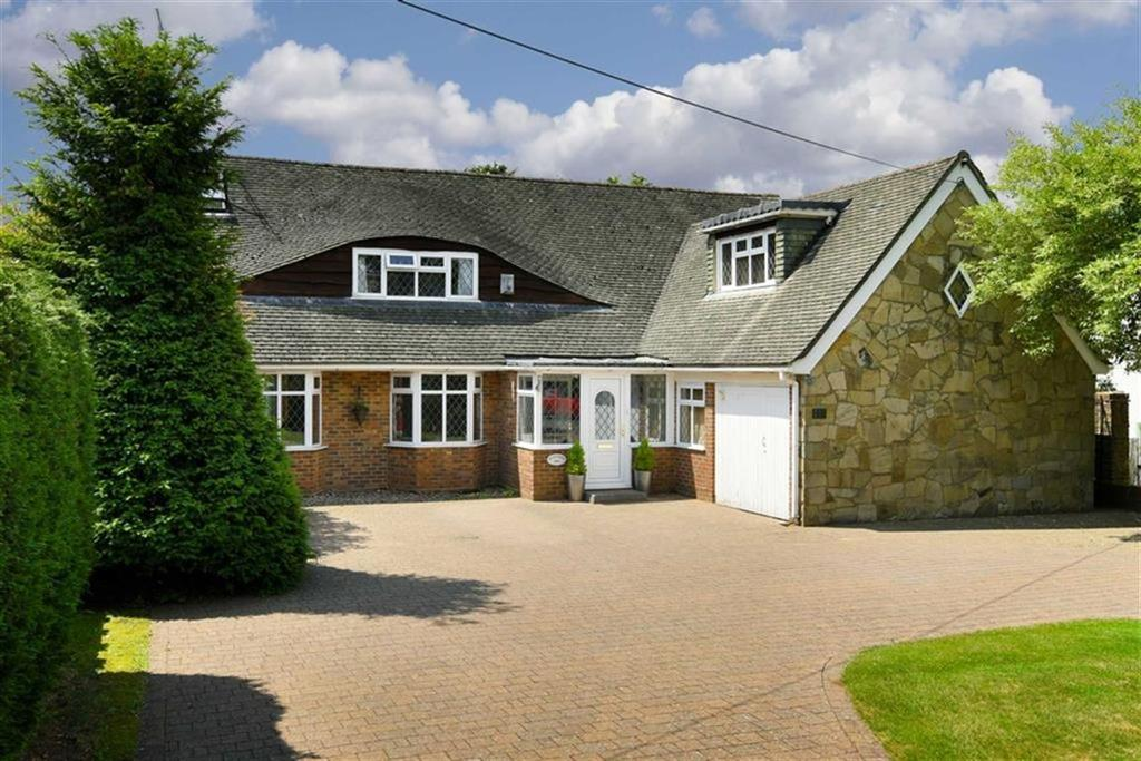 5 Bedrooms Detached House for sale in Ewell Downs Road, Epsom, Surrey