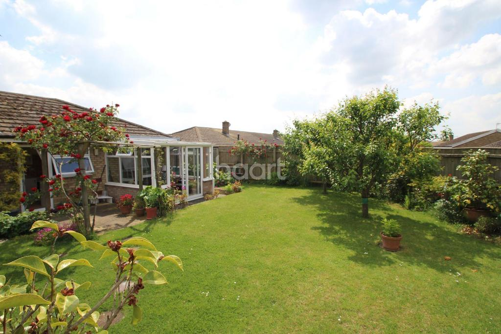3 Bedrooms Bungalow for sale in Meadowcroft, Stretham