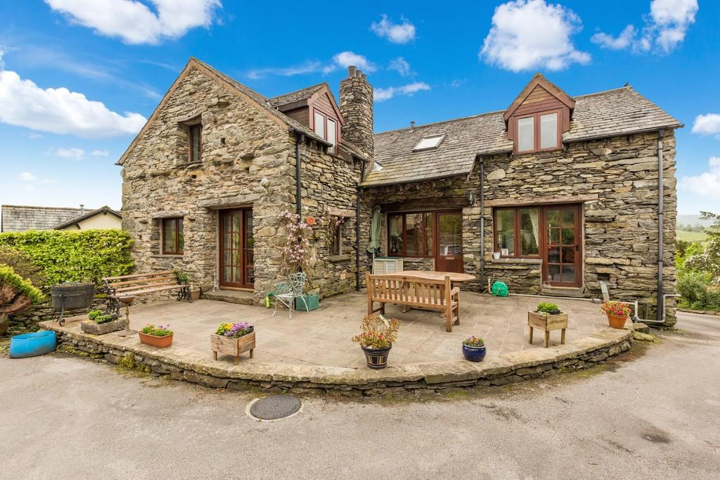 6 Bedrooms Barn Conversion Character Property for sale in Wood Yeat Barn, Crosthwaite, Kendal, Cumbria, LA8 8HX