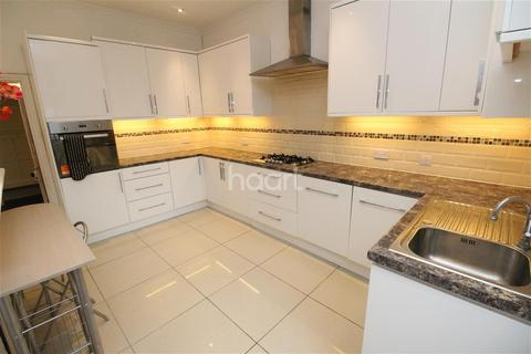 4 bedroom semi-detached house to rent - Avenue Road, Off London Road