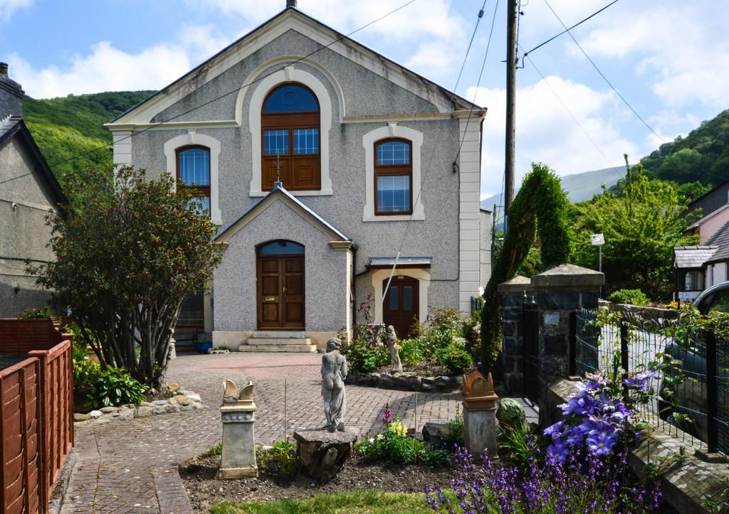 5 Bedrooms Detached House for sale in Abergwyngregyn, North Wales