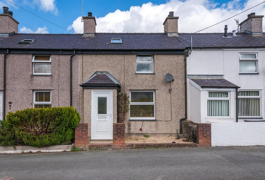 2 Bedrooms Terraced House for sale in Bryntirion, Bethesda, North Wales