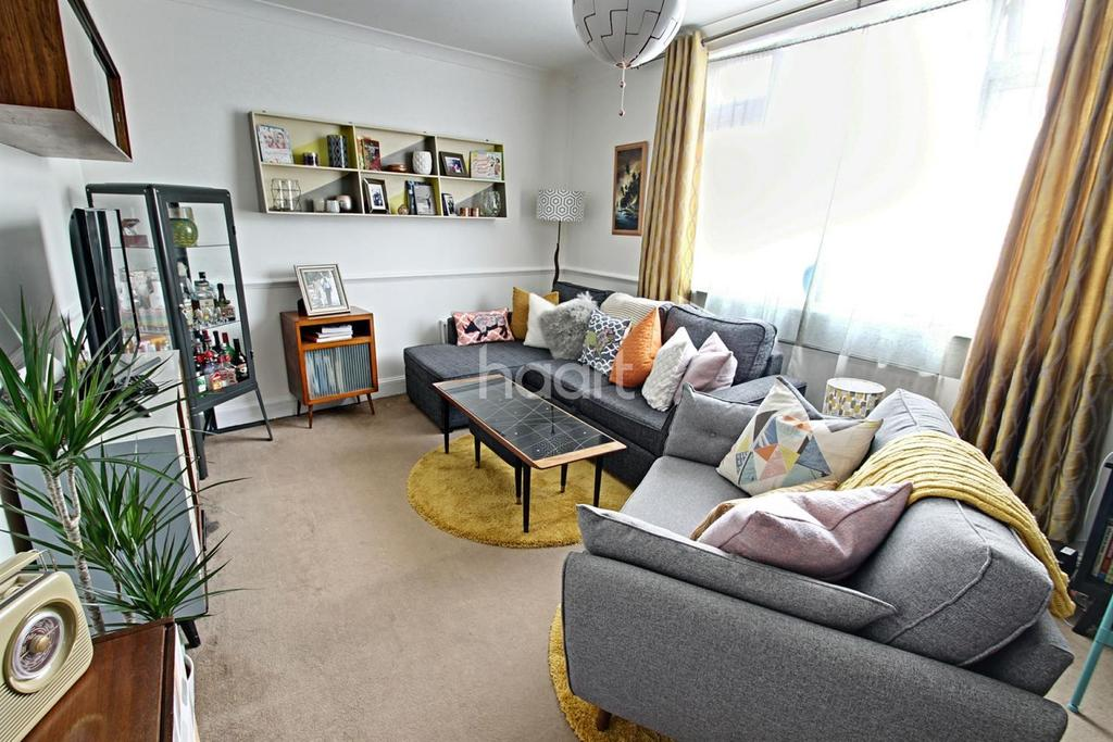 1 Bedroom Maisonette Flat for sale in Lincoln Road, Enfield