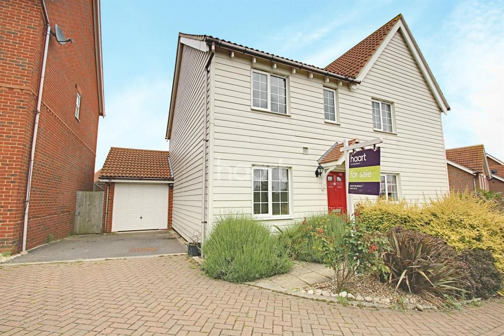 3 Bedrooms Semi Detached House for sale in Holly Drive, Minster on Sea