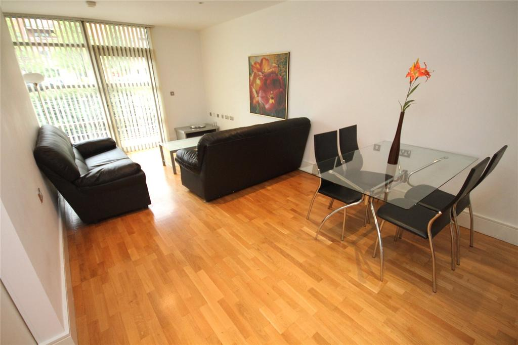 2 Bedrooms Flat for sale in Whitworth Street West, Manchester, Greater Manchester, M1