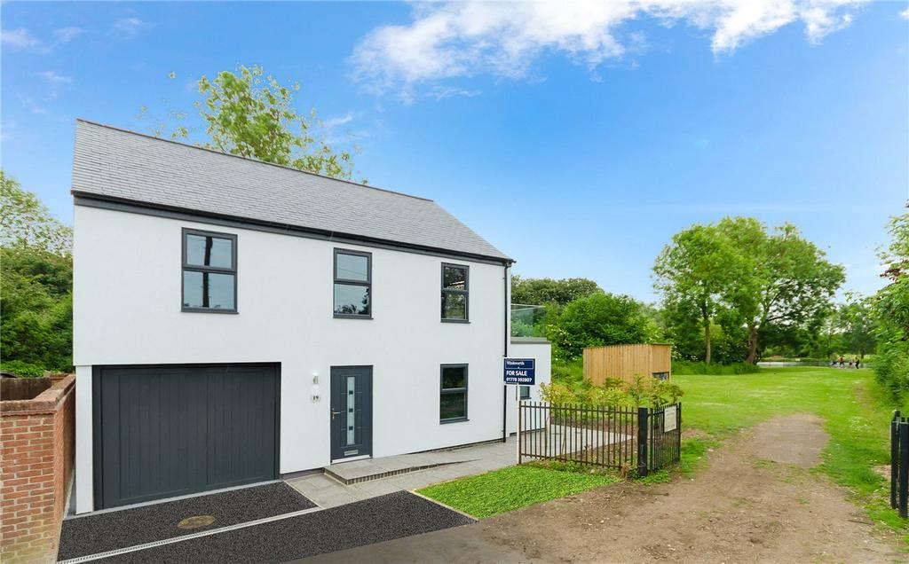 3 Bedrooms Detached House for sale in St. Peters Road, Bourne, PE10