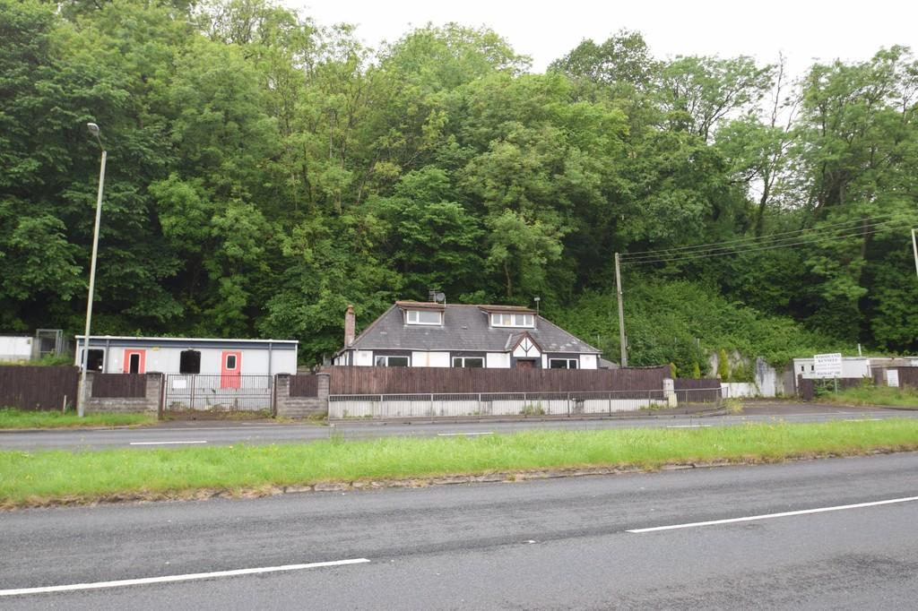 3 Bedrooms Detached Bungalow for sale in The Kennels, Tondu Road, Bridgend, Bridgend County Borough, CF31 4LH.