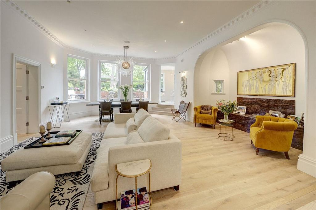 3 Bedrooms Flat for sale in Lyndhurst Gardens, Hampstead, London, NW3