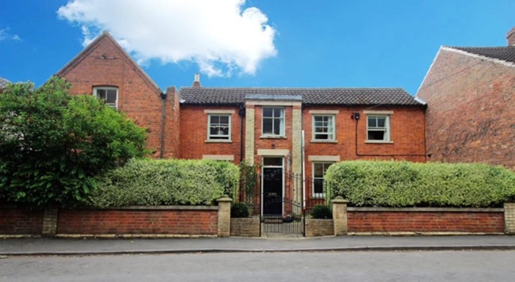 5 Bedrooms House for sale in High Road, Barrowby
