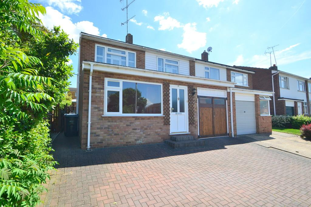 3 Bedrooms Semi Detached House for sale in Hill View Road, Chelmsford