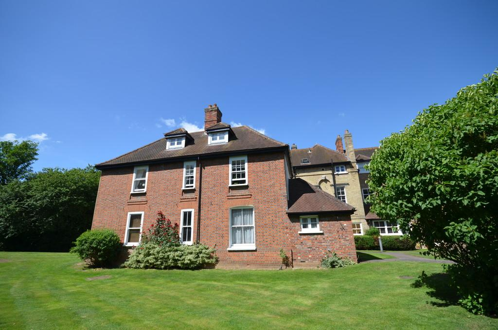 1 Bedroom Ground Maisonette Flat for sale in Old Rectory Court, Station Road, Marks Tey, West Colchester