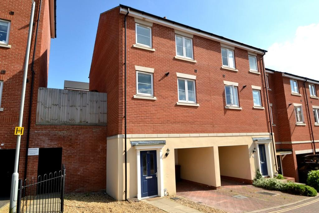 4 Bedrooms Terraced House for sale in Meridian Rise, Ipswich, Suffolk