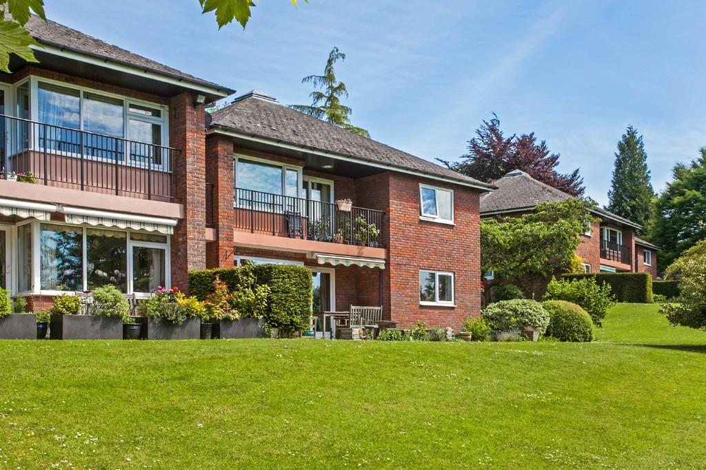 2 Bedrooms Ground Flat for sale in Bedfield Lane, Headbourne Worthy, Winchester, SO23