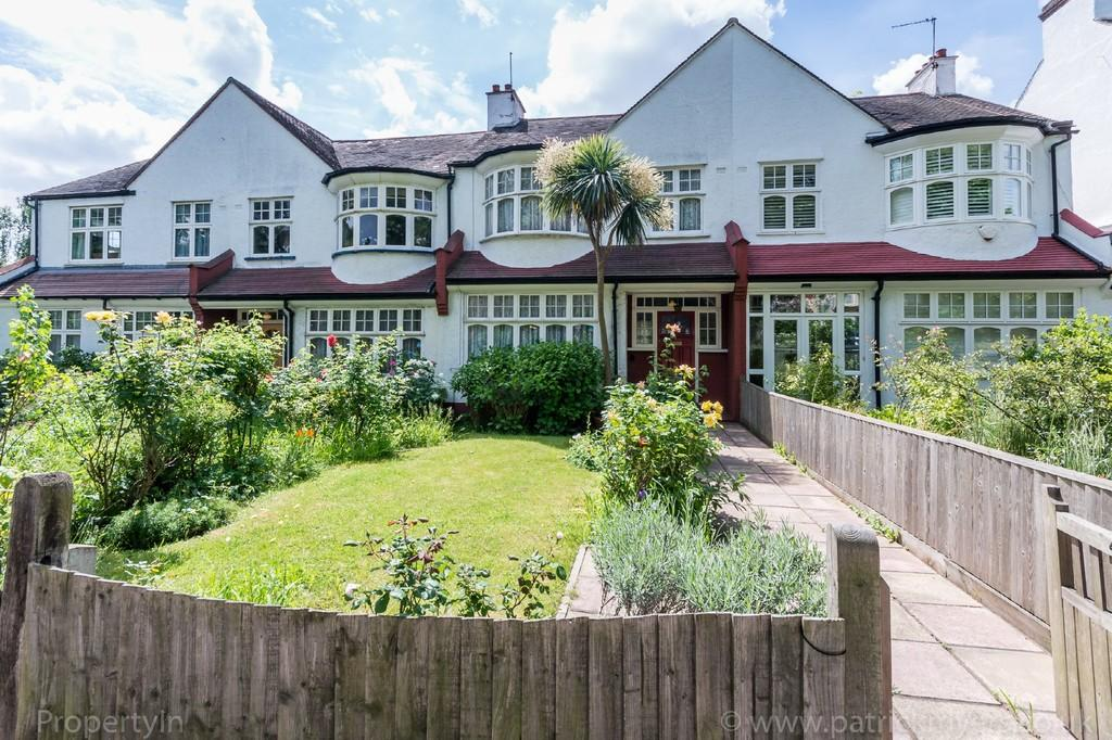 3 Bedrooms Terraced House for sale in Lordship Lane, Dulwich, SE22