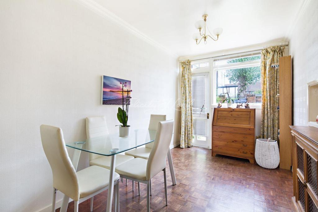 2 Bedrooms End Of Terrace House for sale in Polebrook Road, SE3