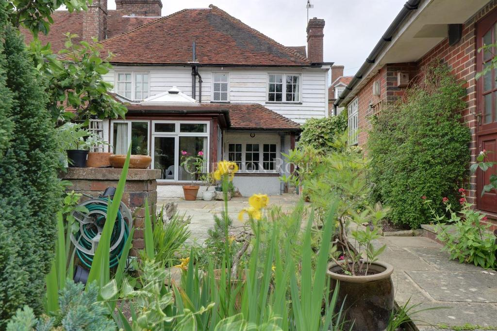 4 Bedrooms Semi Detached House for sale in High Street, Wadhurst, East Sussex TN5