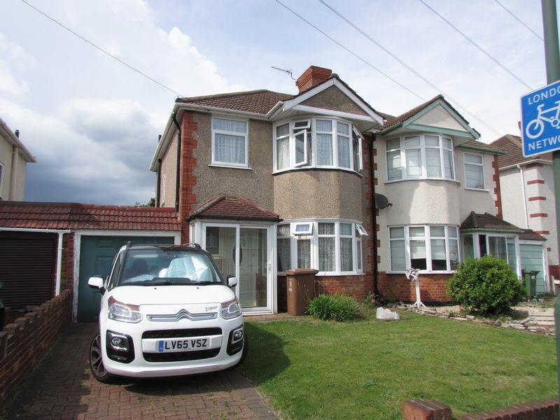 3 Bedrooms Semi Detached House for sale in Parsonage Manorway, Belvedere