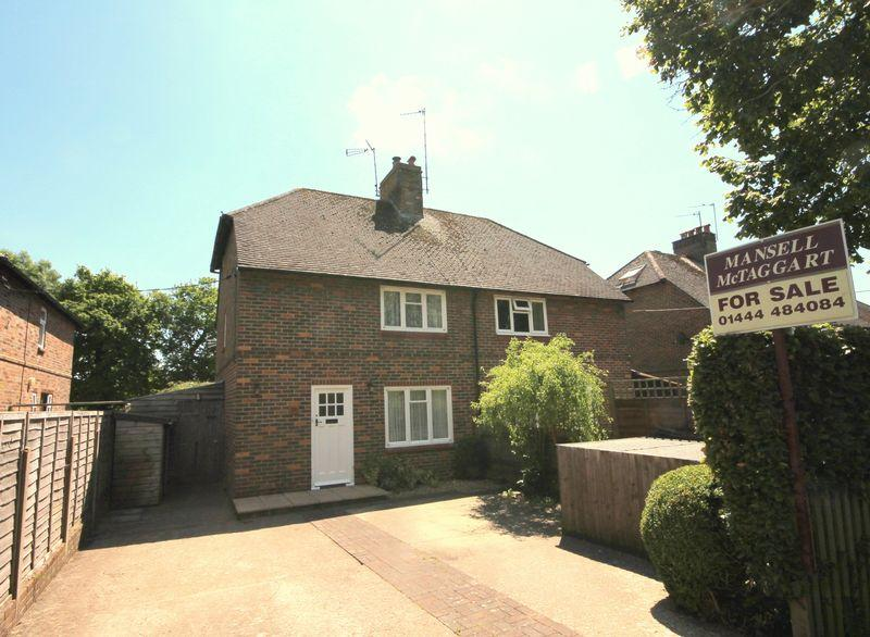 3 Bedrooms Semi Detached House for sale in Eastern Road, Lindfield, West Sussex